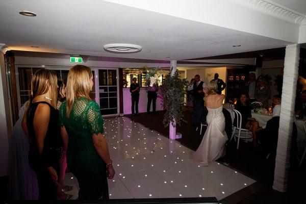 Maleny-Manor-Wedding-Reception-Bouquet-Toss