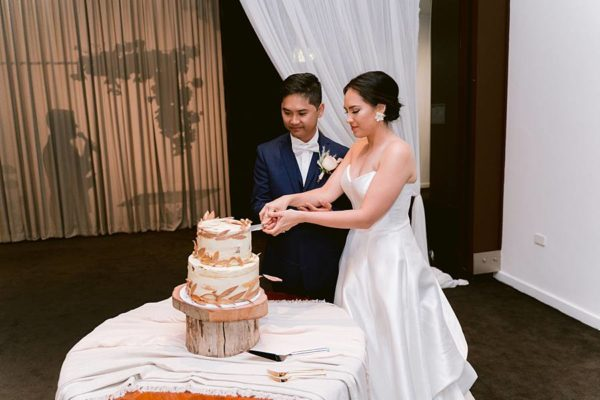 Victoria-Park-Professional-Wedding-MC-Cake-Cutting