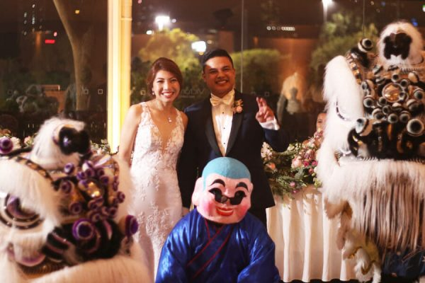 Victoria-Park-Traditional-Chinese-Philippine-Wedding-Couple-Lions