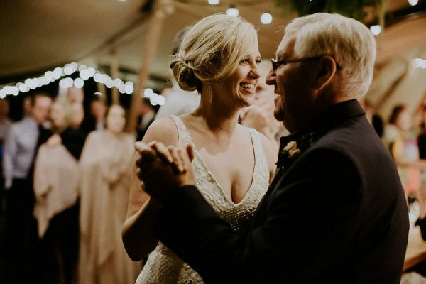Sunshine-Coast-Wedding-DJ-Bride-Dancing-with-father