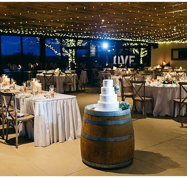 Preston Peak Wines - Room Shot Bridal Table Cake 1