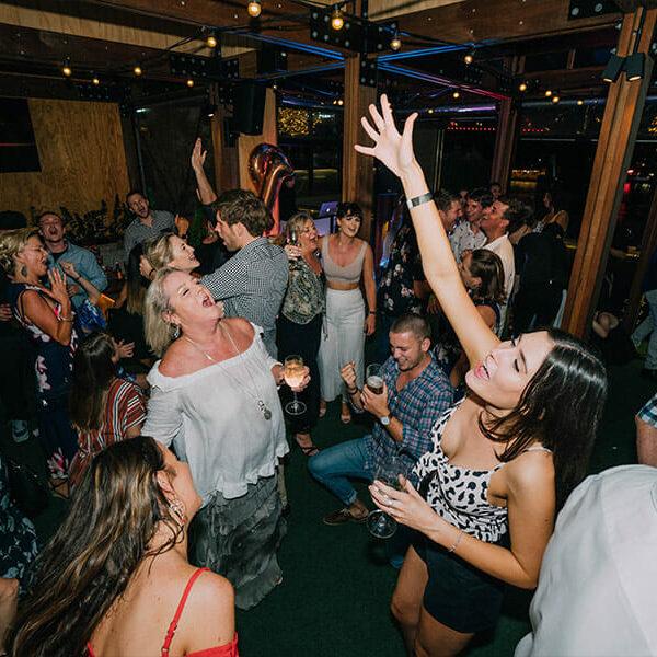 Riverland-Brisbane-21st-Birthday-DJ-Dance-Floor-Singing