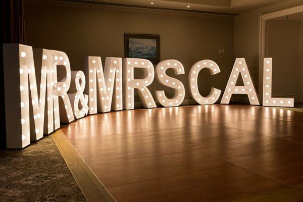 Stamford Plaza Wedding - Mr & Mrs Cal Event Letters