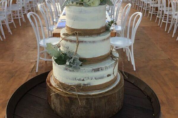 Byron View Farm Wedding Cake 1