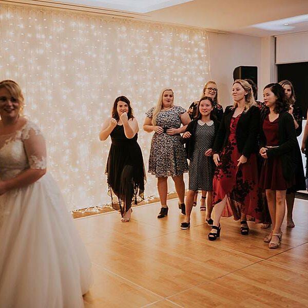 Fun Wedding Games Clear Mountain Lodge - Bouquet Bride
