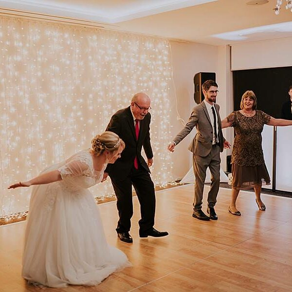 Fun Wedding Games Clear Mountain Lodge - Bride Groom Mother Son Father Daughter